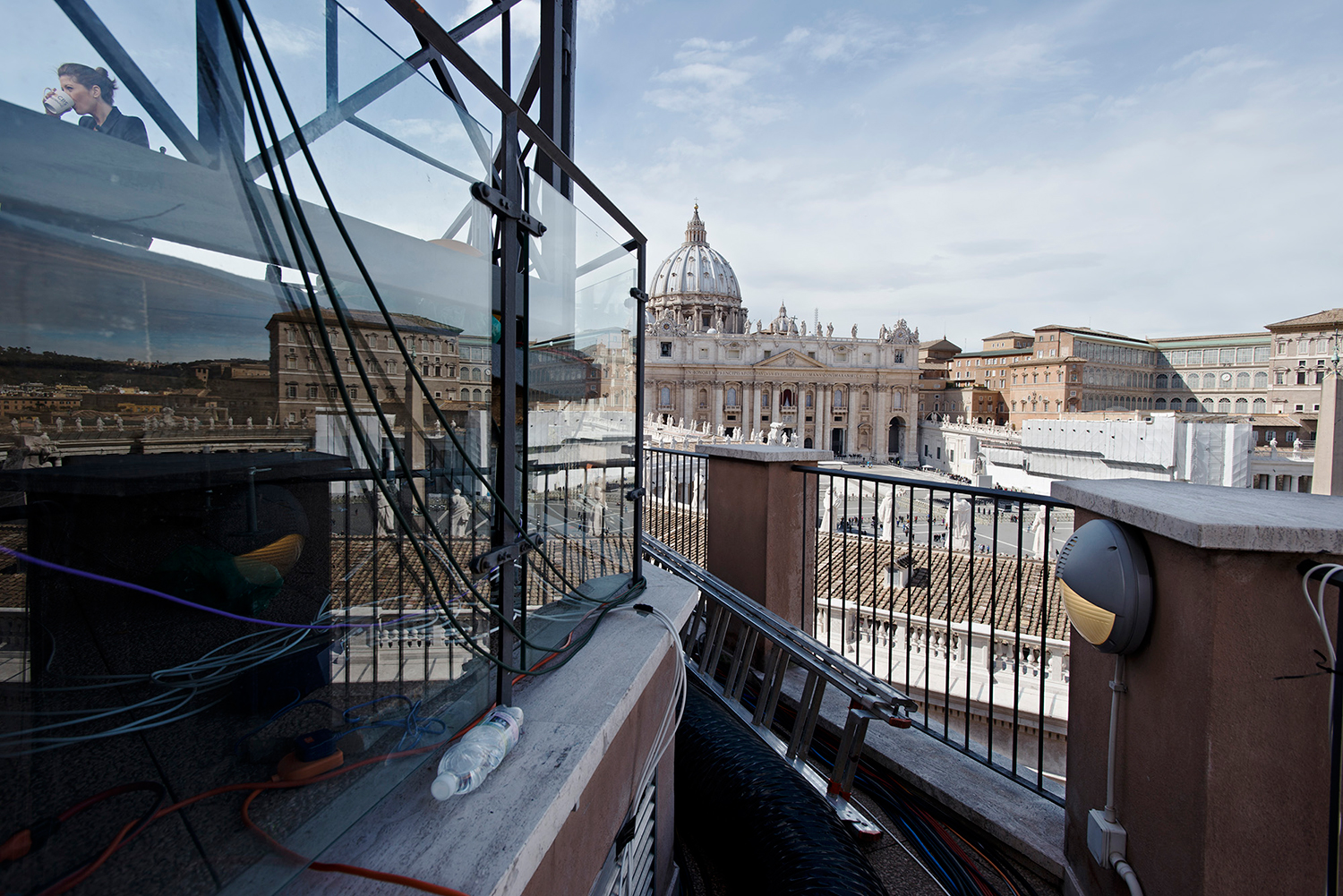 CBS, TV from United States, Location on a roof top on view of St Peter's Square and Basilica.